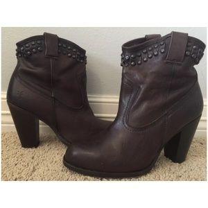 Frye Jenny Cut Stud Leather Ankle Boots